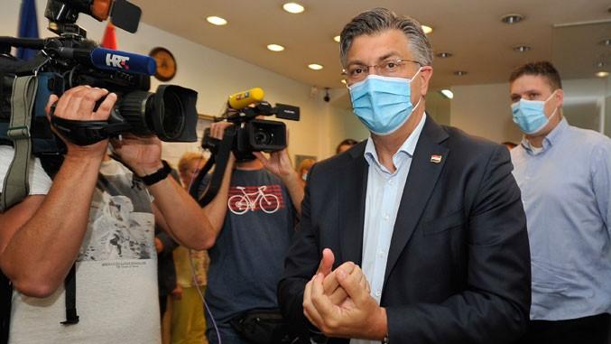 http://www.politika.rs/thumbs//upload/Article/Image/2020_07///677z381_plenkovic.jpg