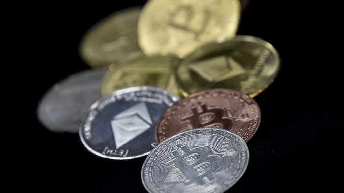 trgovinske opcije na bitcoinu obrasci predviđanja trgovanja danima kriptovaluta