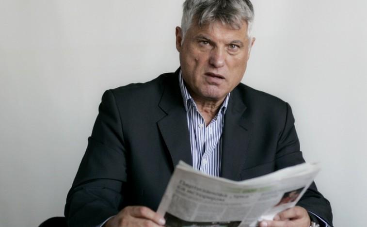 http://www.politika.rs/thumbs//upload/User/Image/2015_11///757z468_Miroslav-Lazanski-novinar-Politika-web-novo.jpg