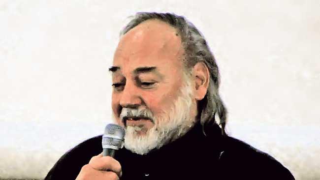 Политика Online - Карпо Година–талентовани ванземаљац: http://www.politika.rs/scc/clanak/352269/Karpo-Godina-talentovani-vanzemaljac