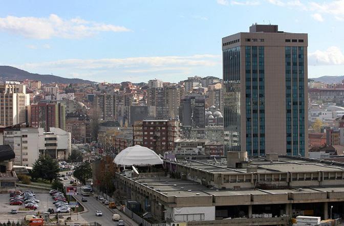 KOSOVSKI MEDIJI: Da li SAD razmatraju povlačenje svojih trupa zbog taksi?