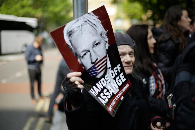 Лондонски суд осудио Асанжа на годину дана затвора! 2