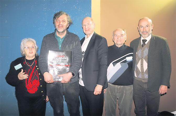 Jelena Buhač Radojčić, Emir Kusturica, Gideon Grajf, Gojko Romčević Mraović i general Karlos Martins Branko (Foto Sl. Kljakić)